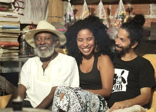 (Da esquerda para a direita: Mestre Zé Negão, Patrícia e Marcone. Foto de Aline Sales.)